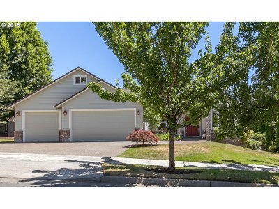 Happy Valley, Clackamas Single Family Home For Sale: 9462 SE Tarnahan Dr