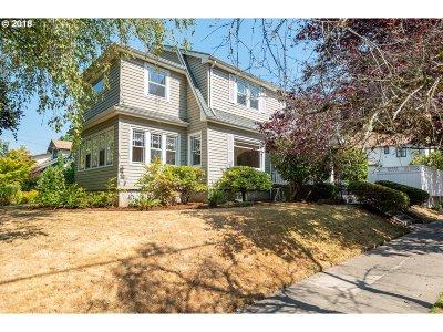 Portland Single Family Home For Sale: 1311 NE Knott St