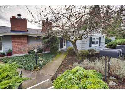 Portland Condo/Townhouse For Sale: 3649 SW 52nd Pl