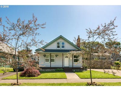 Portland Single Family Home For Sale: 5404 SE 68th Ave