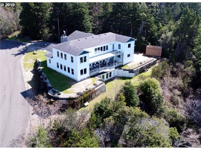 Port Orford Single Family Home For Sale: 1911 Dee Tr