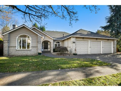 Clackamas County Single Family Home For Sale: 19770 Derby St