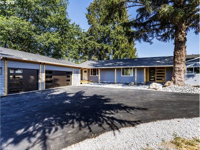 Molalla Single Family Home For Sale: 11471 S Highway 211