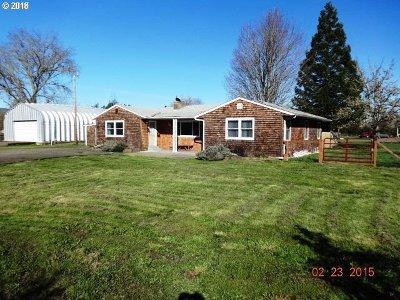 Roseburg Single Family Home For Sale: 1739 Melrose Rd