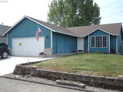 Oregon City, Beavercreek, Molalla, Mulino Single Family Home For Sale: 1032 Meadowlawn Pl