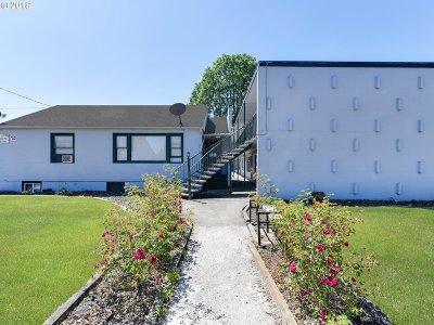 Multi Family Home For Sale: 8104 SE Raymond St