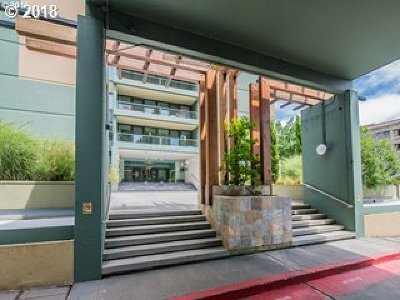 Portland Condo/Townhouse For Sale: 111 SW Harrison St #12B