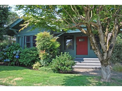 Portland Single Family Home For Sale: 1725 NE 44th Ave