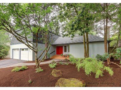 Portland Single Family Home For Sale: 7570 SW 91st Ave