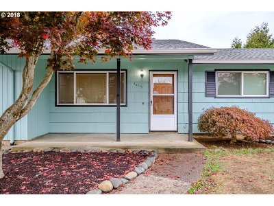Single Family Home For Sale: 16115 SE Clay St