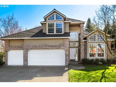 West Linn Single Family Home For Sale: 2925 Hunter Way