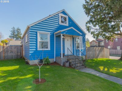 Portland Single Family Home For Sale: 4850 SE 86th Ave