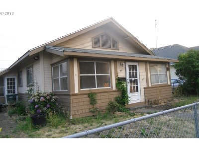 Springfield Single Family Home For Sale: 953 E St