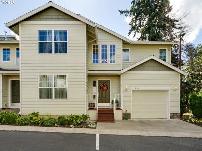 Milwaukie, Clackamas, Happy Valley Condo/Townhouse For Sale: 13891 SE Autumn Ridge Ter