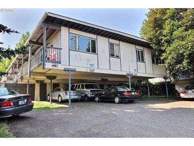 Portland Multi Family Home For Sale: 2600 NE Lombard St