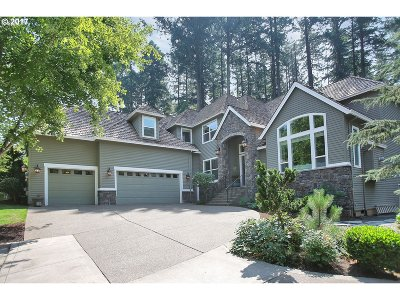 Lake Oswego Single Family Home For Sale: 4042 Canal Woods Ct