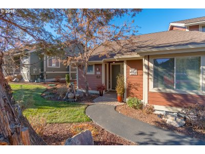 Single Family Home For Sale: 1334 Highland View Loop