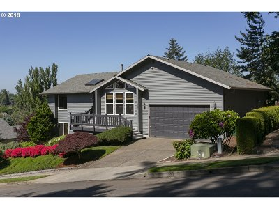 Gresham Single Family Home For Sale: 808 SW Overlook Ct