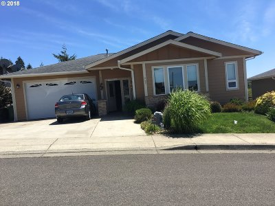 Coos Bay Single Family Home For Sale: 967 Inlet Loop