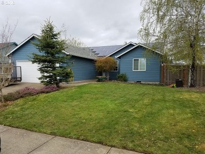 Stayton Single Family Home For Sale: 611 Whitney St