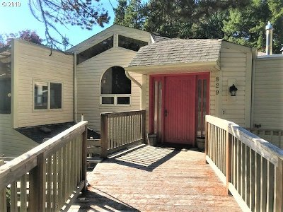 Manzanita Single Family Home For Sale: 829 Third St