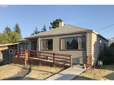 Coquille OR Single Family Home For Sale: $185,000