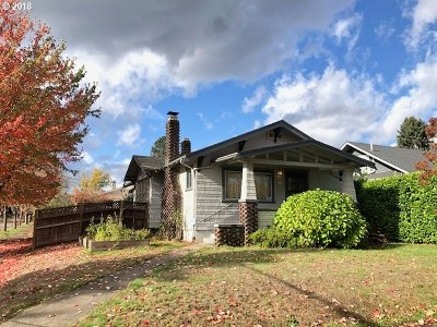 Portland Single Family Home For Sale: 6223 SE 21st Ave