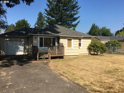 Portland Single Family Home For Sale: 2319 SE 156th Ave