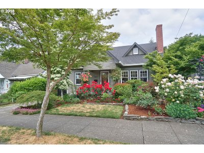 Single Family Home For Sale: 3827 SE Cora St