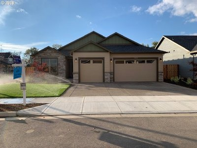 Woodburn Single Family Home For Sale: 1235 Autumn Blvd