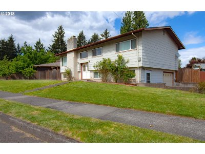Single Family Home For Sale: 830 SE 137th Ave