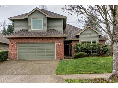 Tualatin Single Family Home For Sale: 10170 SW Hedges Ct