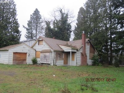 Portland Single Family Home For Sale: 2631 SE 174th Ave