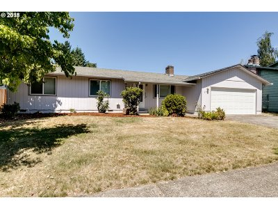 Springfield Single Family Home For Sale: 6730 E St