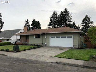 Milwaukie Single Family Home For Sale: 11961 SE 36th Ave