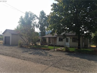 Sutherlin Single Family Home For Sale: 1260 W First Ave