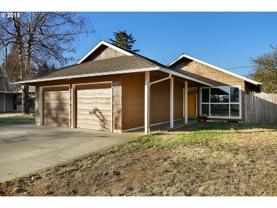 Single Family Home For Sale: 1903 SE 158th Ave
