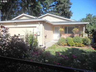 Portland Single Family Home For Sale: 7308 SE 67th Ave