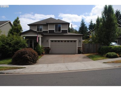 Clackamas Single Family Home For Sale: 13386 SE Highpointe St