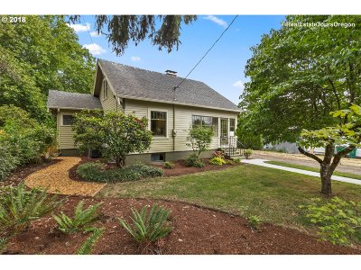 Forest Grove Single Family Home For Sale: 1627 22nd Ave