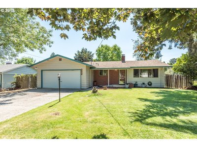 Single Family Home Sold: 17811 SE Rose St