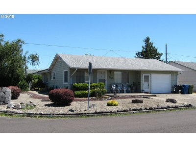 Woodburn Single Family Home For Sale: 1690 Thompson Rd