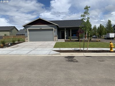 Woodburn Single Family Home For Sale: 1290 Daylily St
