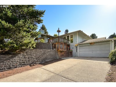 Forest Grove Single Family Home For Sale: 3119 Lavina Dr