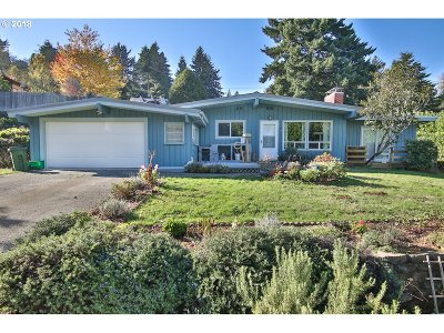 Coos Bay Single Family Home For Sale: 2099 N 12th