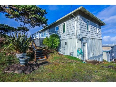 Lincoln City Single Family Home For Sale: 1093 NW 8th Ct