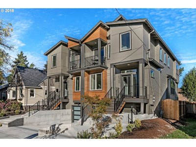 Multnomah County Condo/Townhouse For Sale: 2624 SE 51st Ave #A