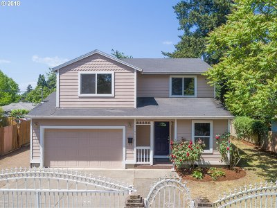 Portland Single Family Home For Sale: 7711 SE 69th Ave