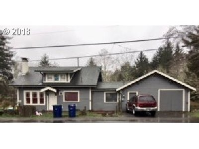 Lincoln City Single Family Home For Sale: 4415 SE 51st St
