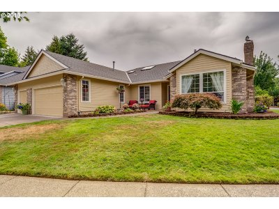 West Linn Single Family Home For Sale: 801 Wendy Ct